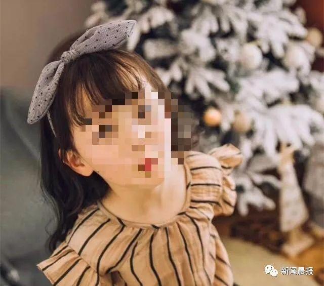 试衣镜砸6岁女童 涉事商家消极处理引发家属不满